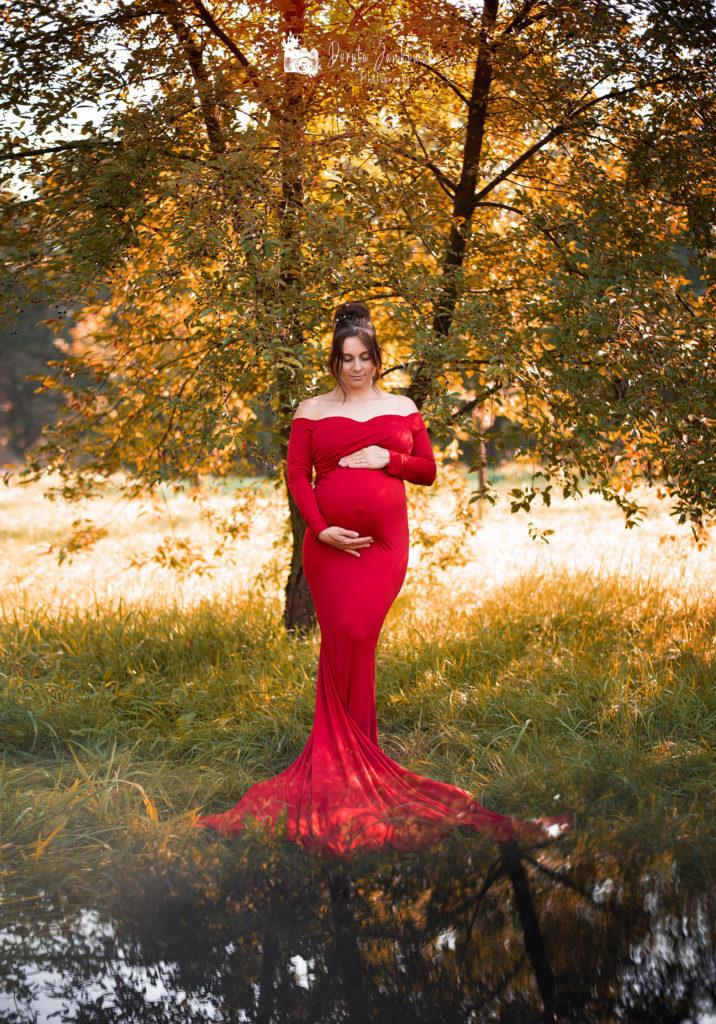 Sesja ciążowa Rybnik, ROW, Katowice, Śląsk. Fotografia brzuszkowa, miłość mamy w oczekiwaniu na maluszka.